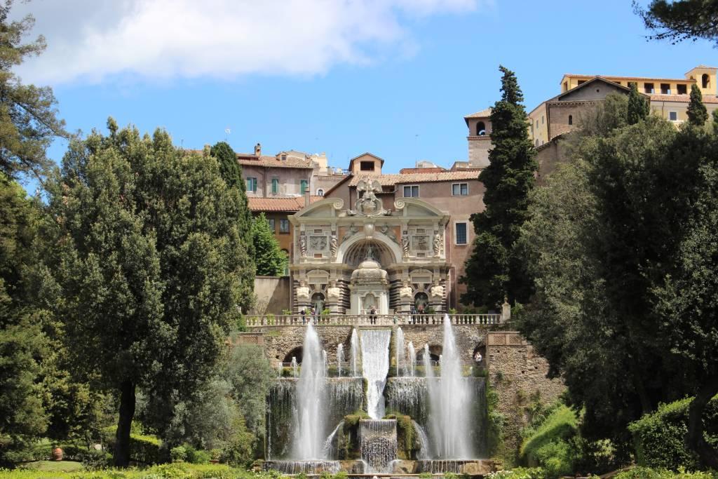 Image of the fountains in Vill d'Este in Tivoli