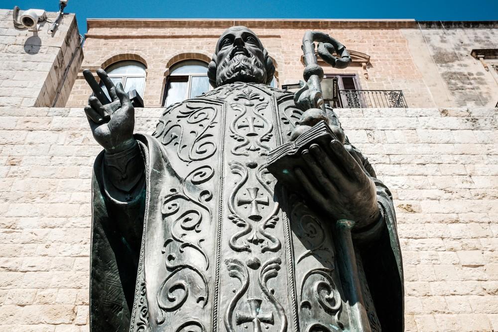 Bazylika San Nicola Bari - pomnik św Mikołaja