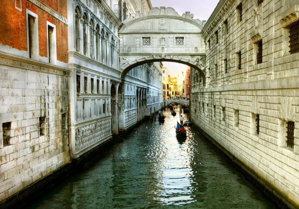 Bridge of Sighs (Ponte dei Sospiri ) for everlasting love in venice, Italy