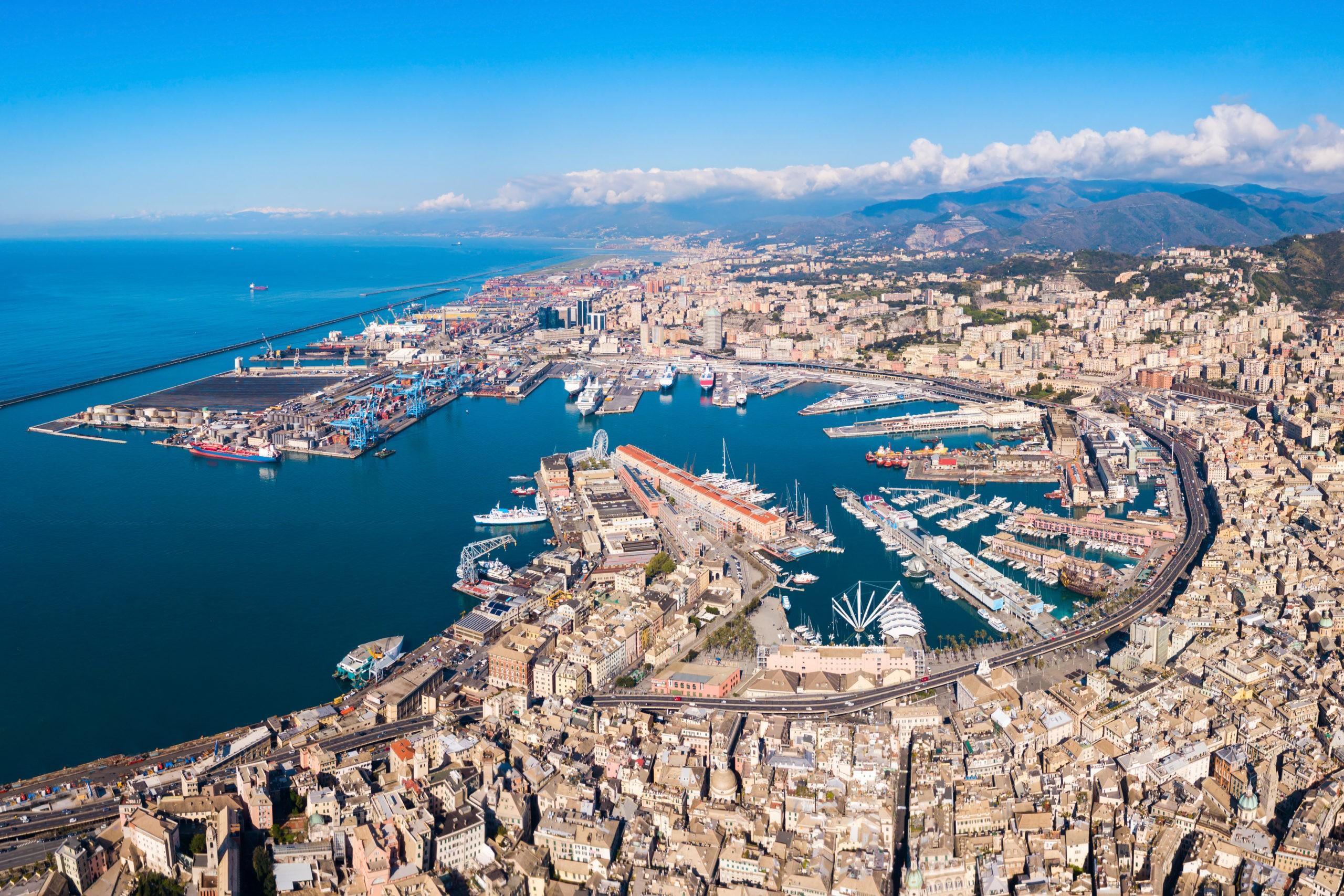Genua - miasto, które warto zobaczyć spędzając wakacje we Włoszech. Co zobaczyć, zwiedzanie, noclegi