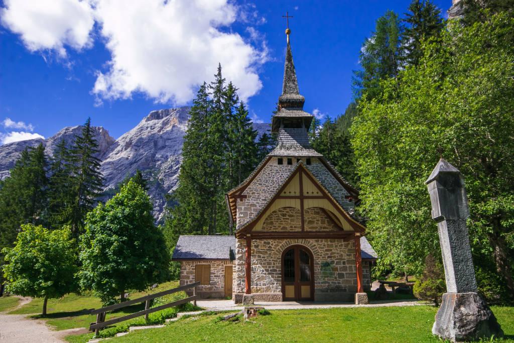 Little chapel at Lake Braies (Pragser Wildsee, Lago di Braies). Fanes-Sennes-Braies Nature Park in the region of Trentino Alto-Adige, Dolomites, Italy