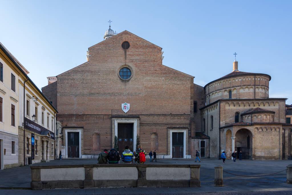 PADOVA, ITALY - December 28, 2016 - Piazza del Duomo in Padova