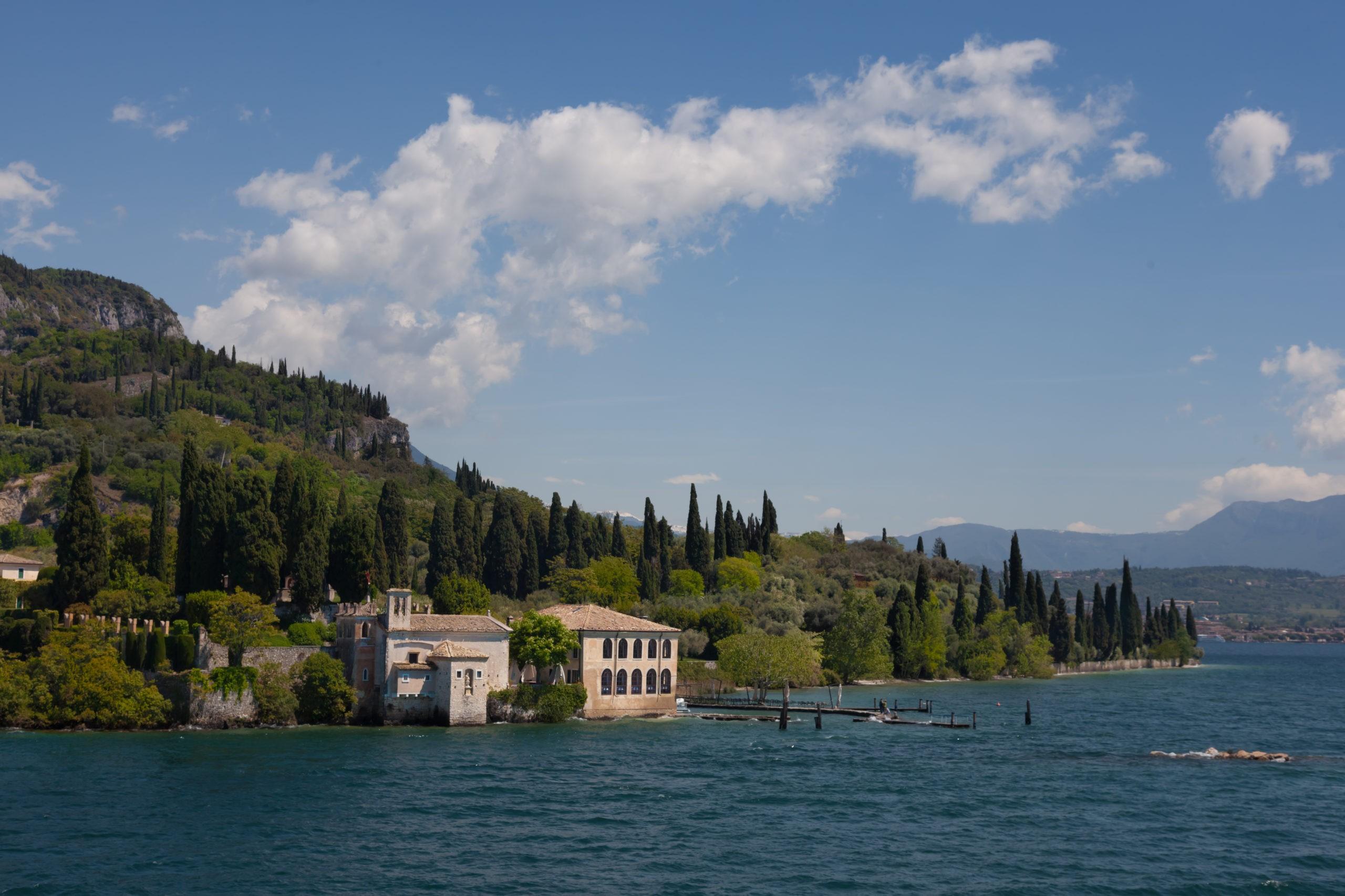 Najlepsze domy wakacyjne z basenem nad Jeziorem Garda