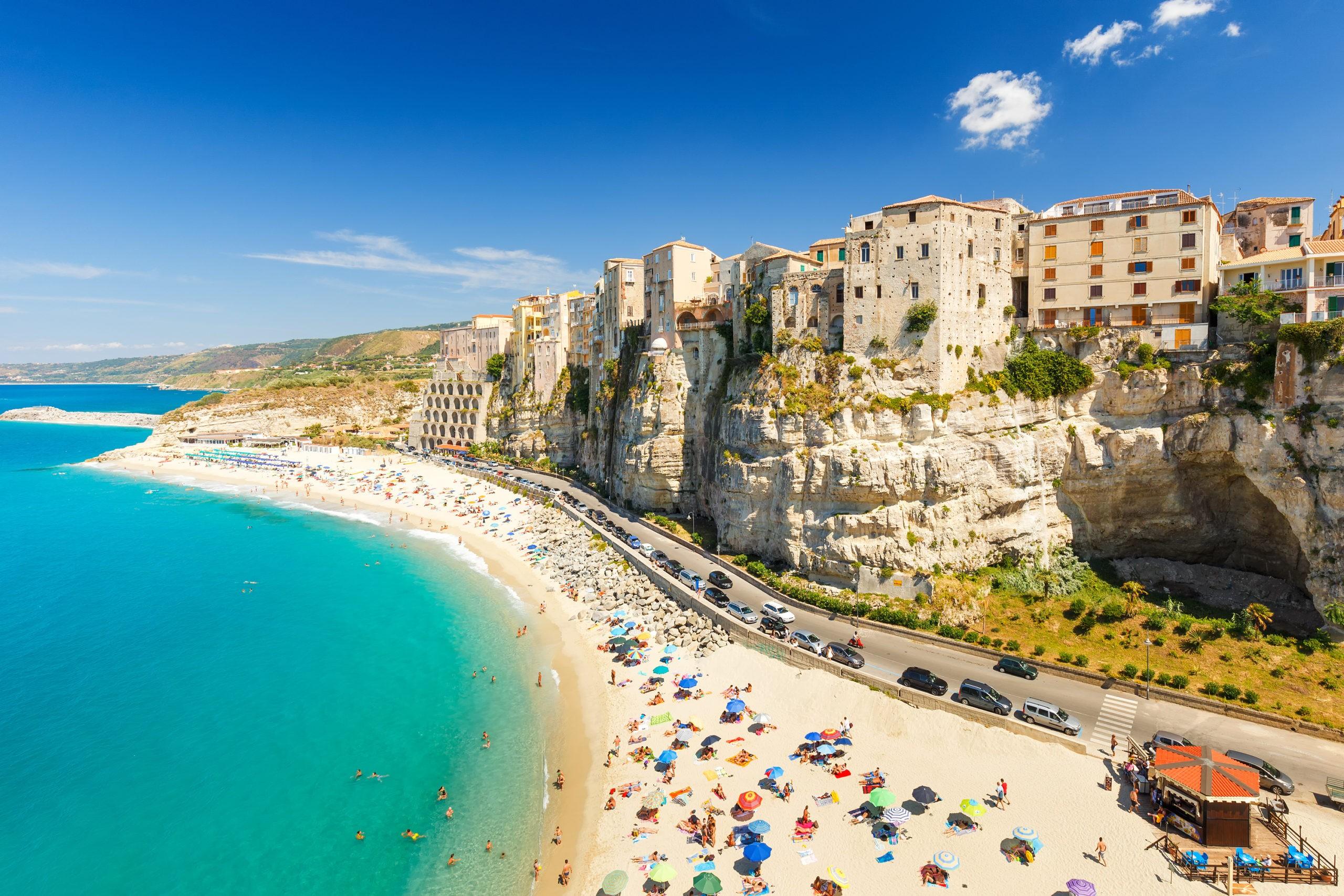 Plaża w Tropei, fot. shutterstock.com