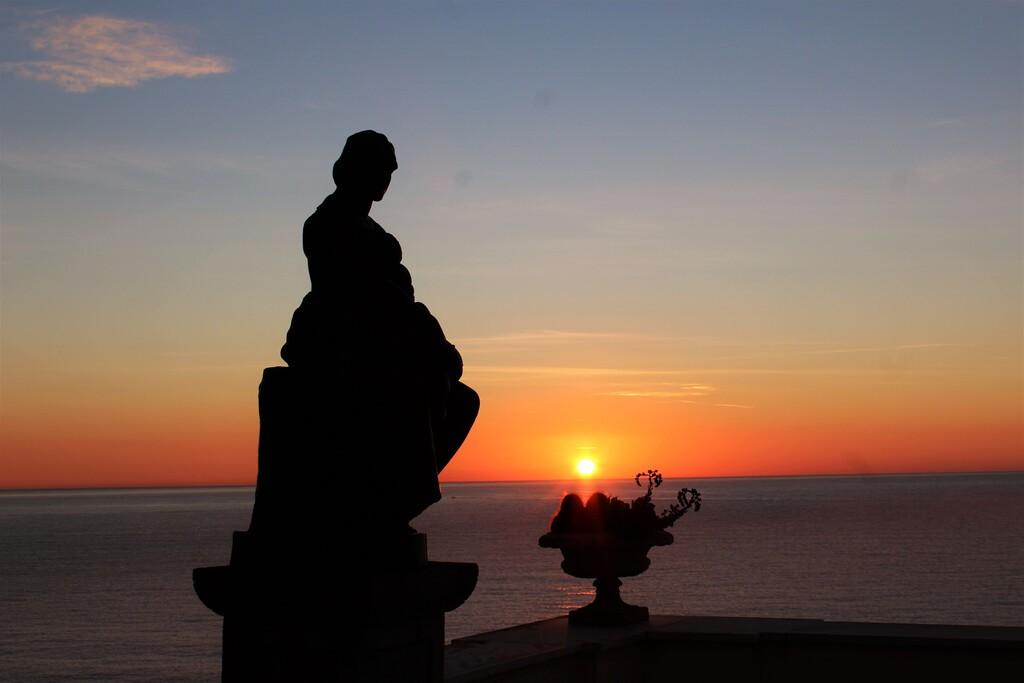 The,Wonderful,Sunrise,Show,At,Villa,Garnier,In,Bordighera,(italy)