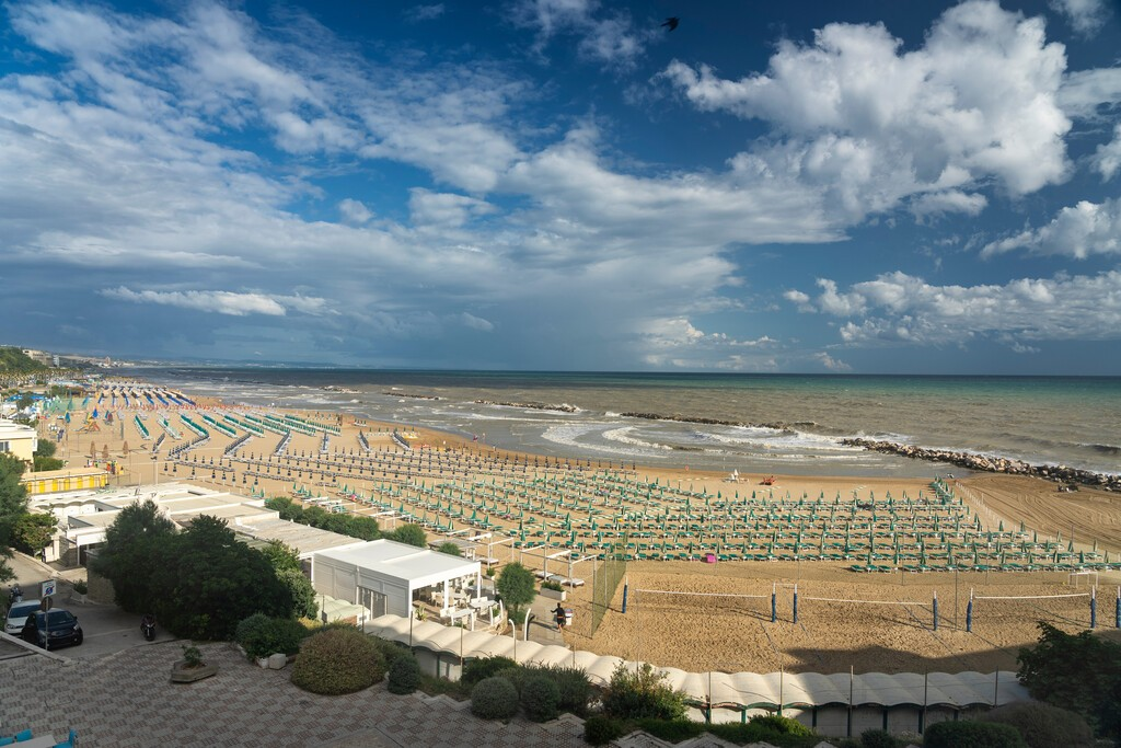 Termoli,,Campobasso,,Molise,,Italy,,And,Its,Beach,At,Summer