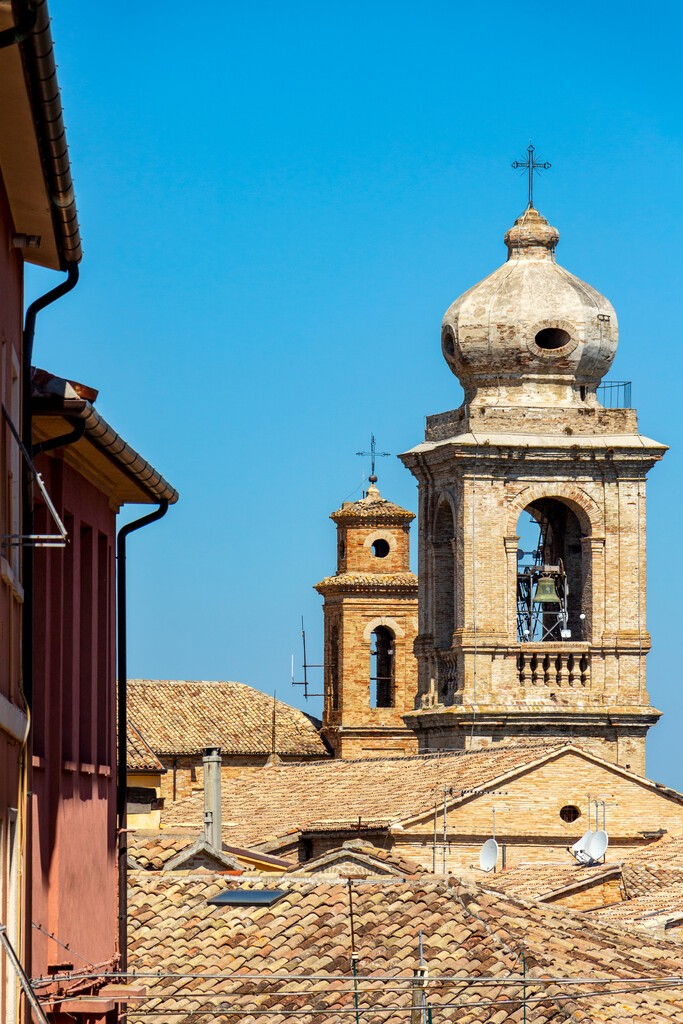 Selective,Focus,Of,The,Bell,Towers,Of,The,Collegiate,Church