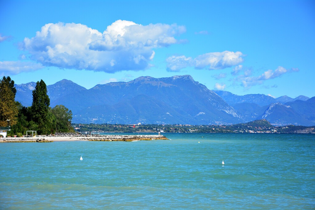 Desenzano,Del,Garda�?,Town,Italy,Lake,And,Boats,Landscape